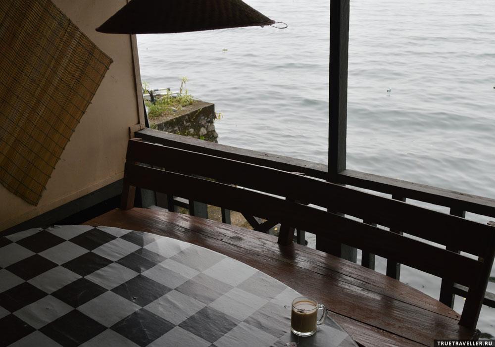 Семь лет на озере Манинджау, True Traveller
