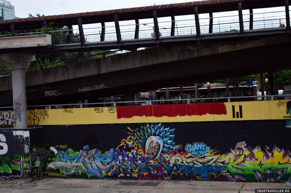 Граффити в Куала-Лумпуре тоже очень аккуратные.
