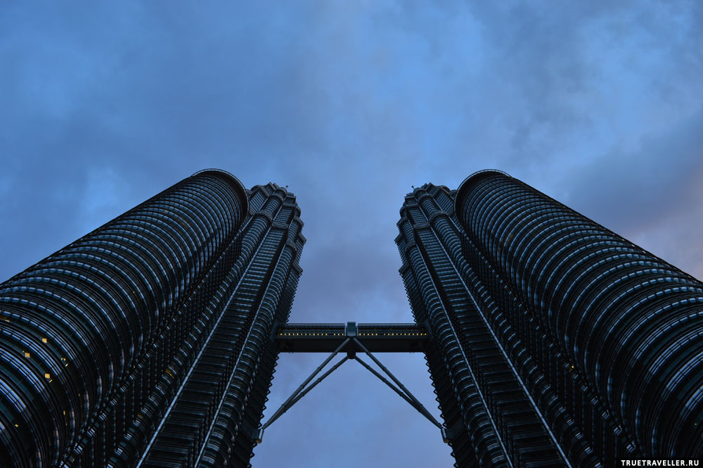 башни петронас малайзия куала-лумпур фото небоскребы