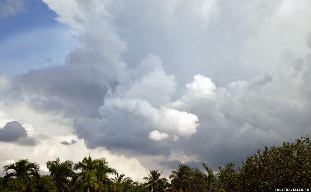 Есть живописные облака (но это не города заслуга).